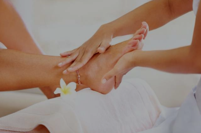 Aromatic Epsom Foot Bath & some Reflexology / Soothing Foot Massage - Green Envy Salon & Spa in Nashua NH
